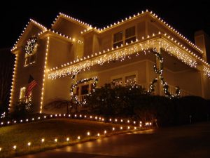 Hang Your Holiday Lights Hassle Free